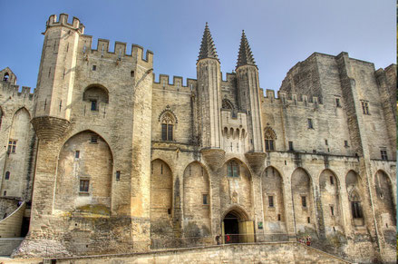 Avignon top things to do - Pope Palace - Copyright  Decar66
