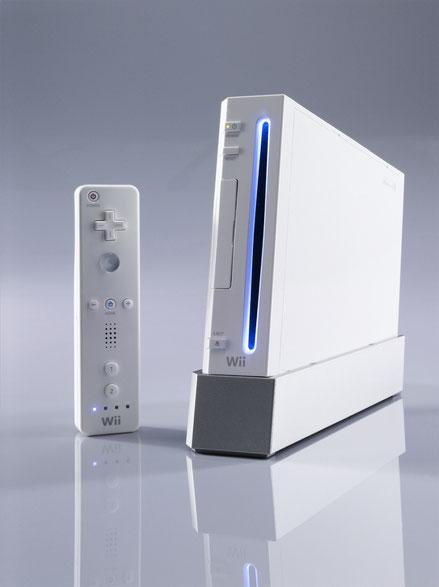 Nintendo Wii y su mando Wiimote, 2006