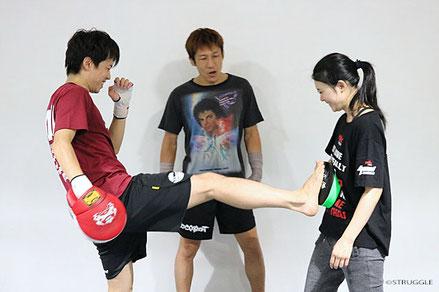 ▲毎週水曜20:00~21:00はキックボクシング初心者クラスを開催!