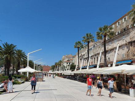 MAG Lifestyle Magazin Urlaub Reisen Kroatien Split Hafenstadt Dalmatien Riva