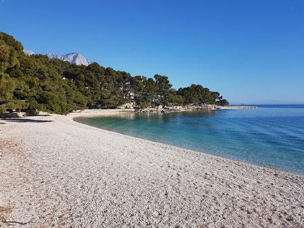MAG Lifestyle Magazin Kroatien Dalmatien Urlaub Reisen Adria Makarska Riviera Highlite Brela Beachbar Beach Caffe Bar Macic Kap Rat