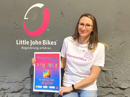 "Klaudia Klajnszmit, Social-Media-Managerin bei Little John Bikes und Projektkoordinatorin der Aktion ""I love Cottbus"""