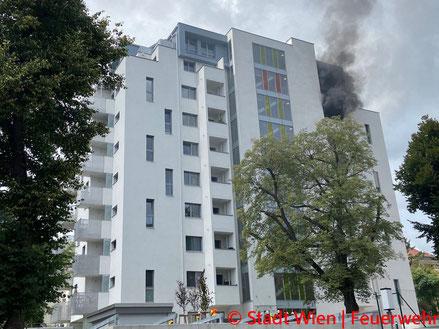 Feuerwehr; Blaulicht; Berufsfeuerwehr Wien; Schadstoffeinsatz; CO-Unfall; Brigittenau;