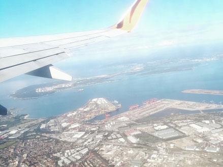 Fensterplatz von Sydney nach Melbourne zum Dreh über einen Auslandschweizer