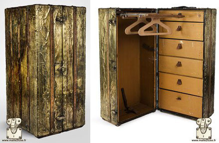 Louis Vuitton wardrobe trunk - Brass  Year: circa 1920 Exterior: brass Border: brass Corners: Brass Interior: Wardrobe + Shoe box x6 drawers 115cm x 66cm x 56cm