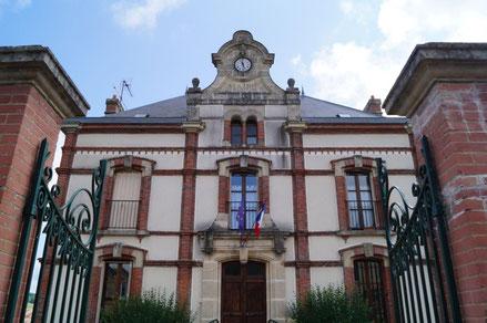 La Chapelle-Monthodon (02). La mairie.