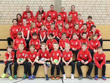 Hatten eine tolle Handballsaison 2018/19 miteinander: die Spieler und Trainer der JSG Westfalia Dortmund. (Text/Foto: Verein)