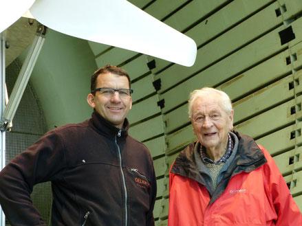 Martin Oelkrug und Prof. Dr. Richard Eppler im Windkanal