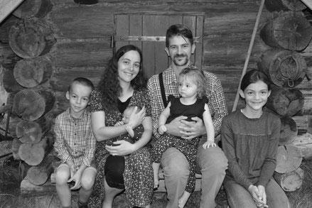Vie d'une famille en autonomie sur une ferme autour des cultures traditionnelles bashkirs et cosaques.