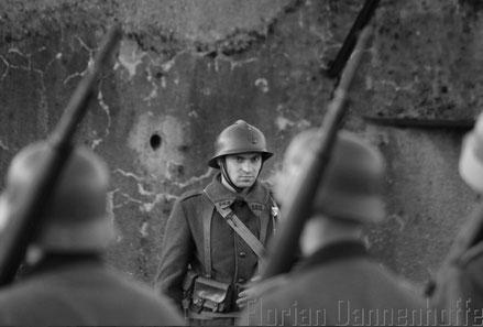soldat français lors de la reddition (reconstitution historique, association Fort aux Fresques)