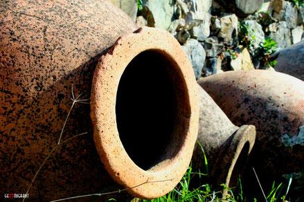В Аджарии обнаружен уникальный средневековый винный погреб