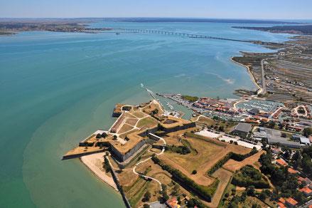 La Citadelle fortifiée par Vauban et son port