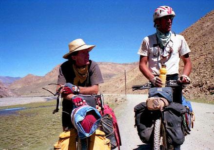 Mike und John qaewn schon 4 Wochen in Tibet unterwegs