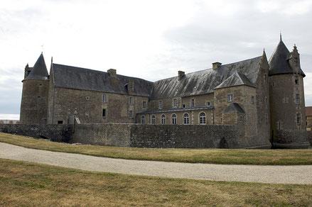 Vue générale / General overview - Château fort Charente - Château de Saveilles - Saveille - Château en Charente - Visite guidée groupe - Visite guidée famille - Chateau nord Charente