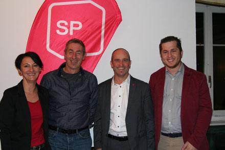 Marina Bruggmann, SP Romanshorn Präsidentin mit den drei Kandidaten Martin Nafzger, Turi Schallenberg & Alban Imeri