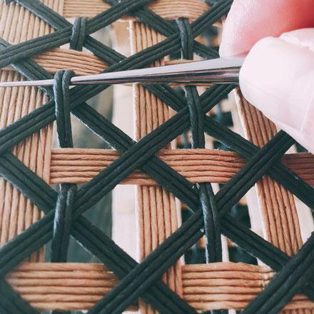 収納カゴのワークショップ(引き返し編み、ねじり編み、追いかけ編み、四つ編み、底の作り方)