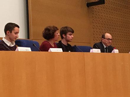 Alexandre Martinez, du lycée St-Hilaire, Marie-Françoise Lamperti, Thomas Pierson, du lycée St-Hilaire, Mr. Le Sénateur André Gattolin.