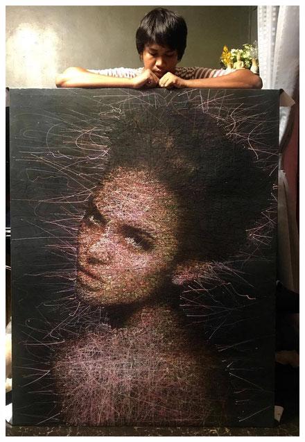 """Künstler Adam mit seinem Gemälde """"Story Night"""""""