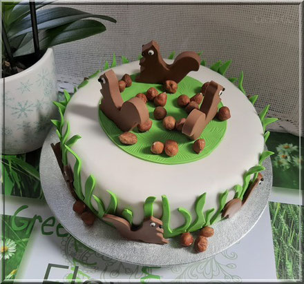 Cake design tutorial squirrel