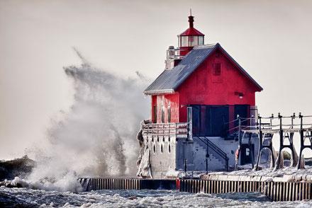 Hivern al far del port de Rage Grand Haven, Michigan, USA.