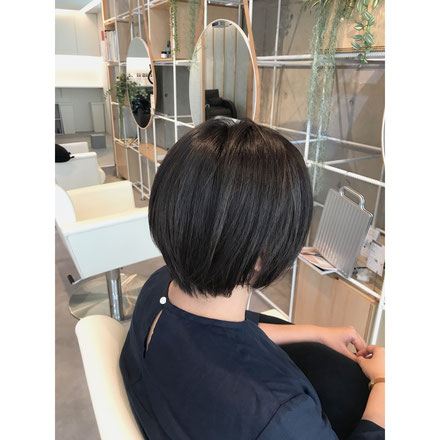 横浜の美容室でカラーリング。色艶にカラーリングをしました。