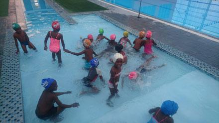 Schwimmprojekt an der Tamariskia Primary School in Swakopmund, Namibia