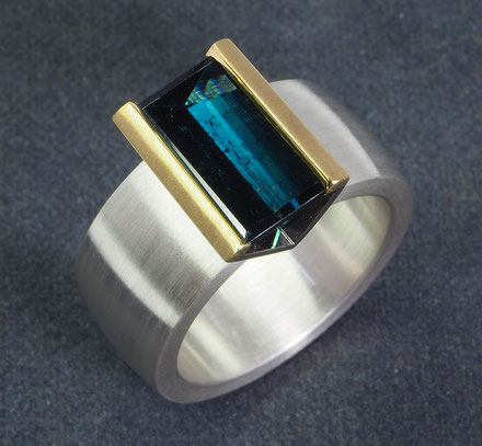 Turmalin Spiegelschliff Baguette Ring