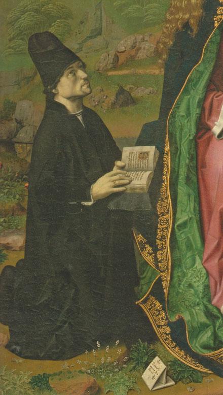 Francesco della Chiesa, no había nacido en la Península Ibérica, procedente de Monferrato pero residente en Valencia encargó el tríptico que acabaría en Aqui Terme.El libro abierto por la antífona Salve Regina.