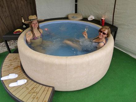 ferienhaus mit pool in mv au enwhirlpool ferienhaus mit. Black Bedroom Furniture Sets. Home Design Ideas