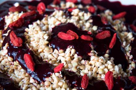 Buchweizen-Heidelbeer-Porridge - roh, vegan, glutenfrei
