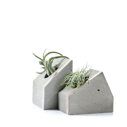 Sculptural versatile concrete home decor by PASiNGA design