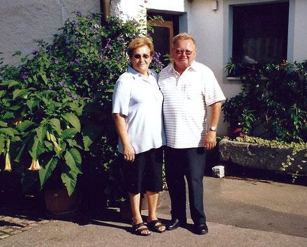 Resi und Sepp Wirl führten ihr Geschäft in Oberschneiding bis 1998.