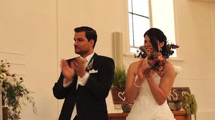 BILD: Applaus vom Brautpaar