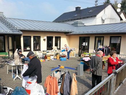 Terrasse Markt draußen Willkommen in Manderscheid