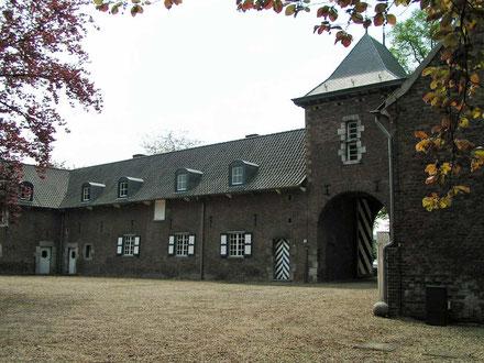 Kasteelhoeve kasteel Wolfrath Wolfrath 1-3 Holtum rijksmonument