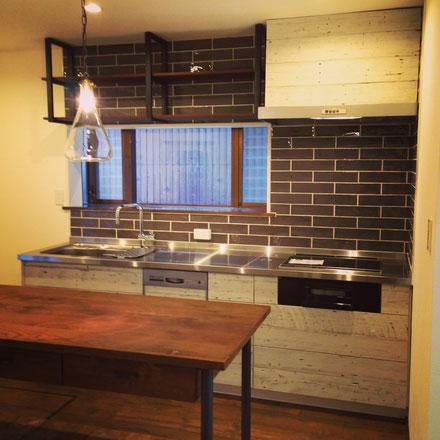 古材キッチン・無垢の家具
