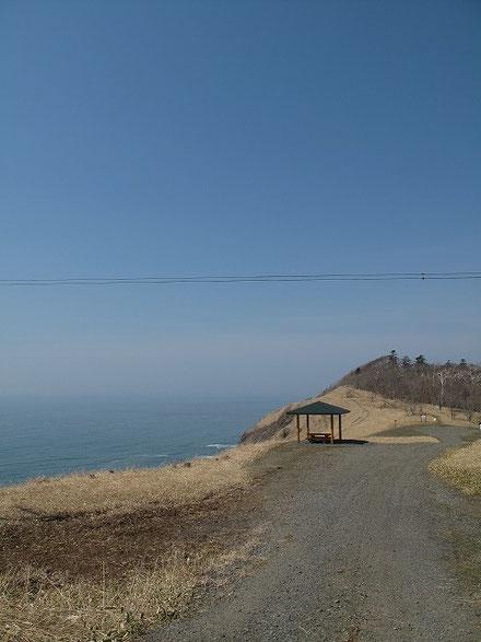 ここがキトウシ野営場だ。素晴らしい景観。アルトリ岬の一歩上を行っている。ただただ感動。