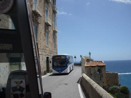 Busfahren an der Amalfiküste