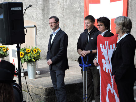 Familien-Landsgemeinde in Oberdorf: Peter Keller, Roman Huser, Maria Huser, Liliane Bruggmann. Oktober 2015