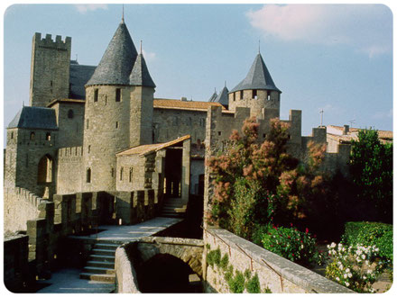 CARCASSONNE tourist guide, licensed guide in Carcassonne, russian guide in southern France, russian guide in Carcassonne, tour in russian Carcassonne, excursions in Carcassonne, russian tour in Carcassonne