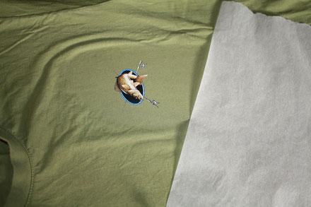 t-shirt avec transfert à chaud