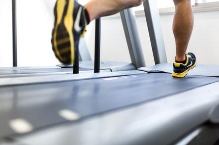 運動不足が原因の頸椎ヘルニア