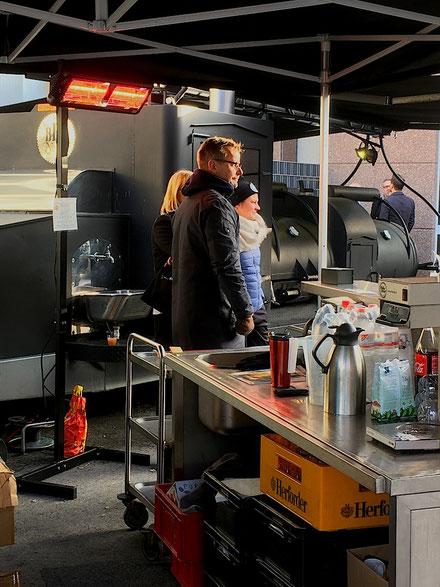 Mobile Infrarot Heizung mit Ständer für Streetfood Verkaufswagen