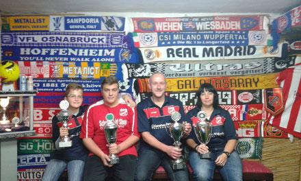 Vereinsmeister Siggi Gies, damenmeisterin Manu Winter, U18 Sieger Ivan Pulice und U15 Sieger Nils Mettegang