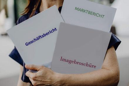 Professionelle Übersetzungen ins Französische für Ihre Geschäfts- und Marktberichte oder Imagebroschüren vom Muttersprachler.