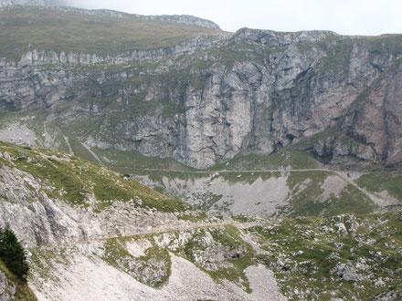 Auffahrt zum Mangart Pass, höchster befahrbarer Pass in Slowenien