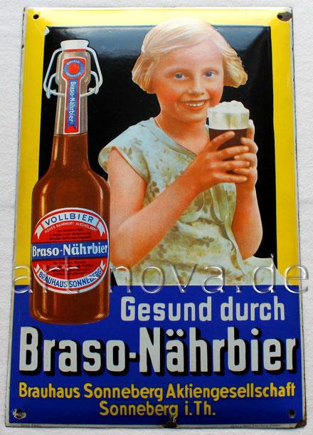 Traumhaftes Emailschild von Braso Nährbier um 1930 mit einem Malzbier trinkenden Mädchen