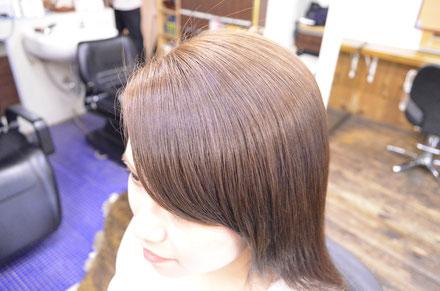縮毛矯正で自然な仕上がりの前髪にする秘訣とは