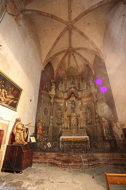 Bild: Altar in der Kirche St. Etienne in Ille-sur-Têt