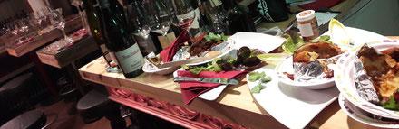 Eine Weinprobe in Ahrweiler im Ahrweindepot ist auch mit Verpflegung möglich. Buchen Sie Ihre Weinverkostung mit einer sättigenden Speise.
